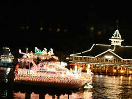 Newport Beach Christmas Boat Parade - Things to Do in Orange County 43